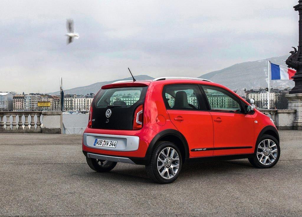 2014 Volkswagen Cross Up Side (Photo 6 of 7)