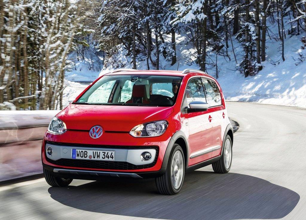 Featured Image of Volkswagen Cross Up (2014) Price : €