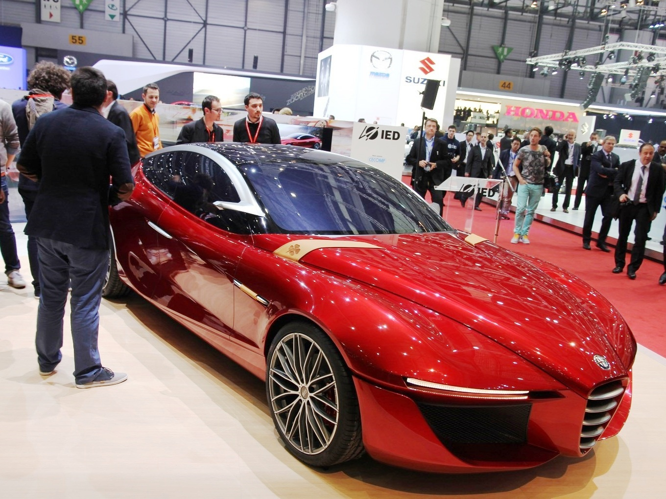 2013 Alfa Romeo Gloria Concept At Geneva Motor Show (Photo 2 of 6)