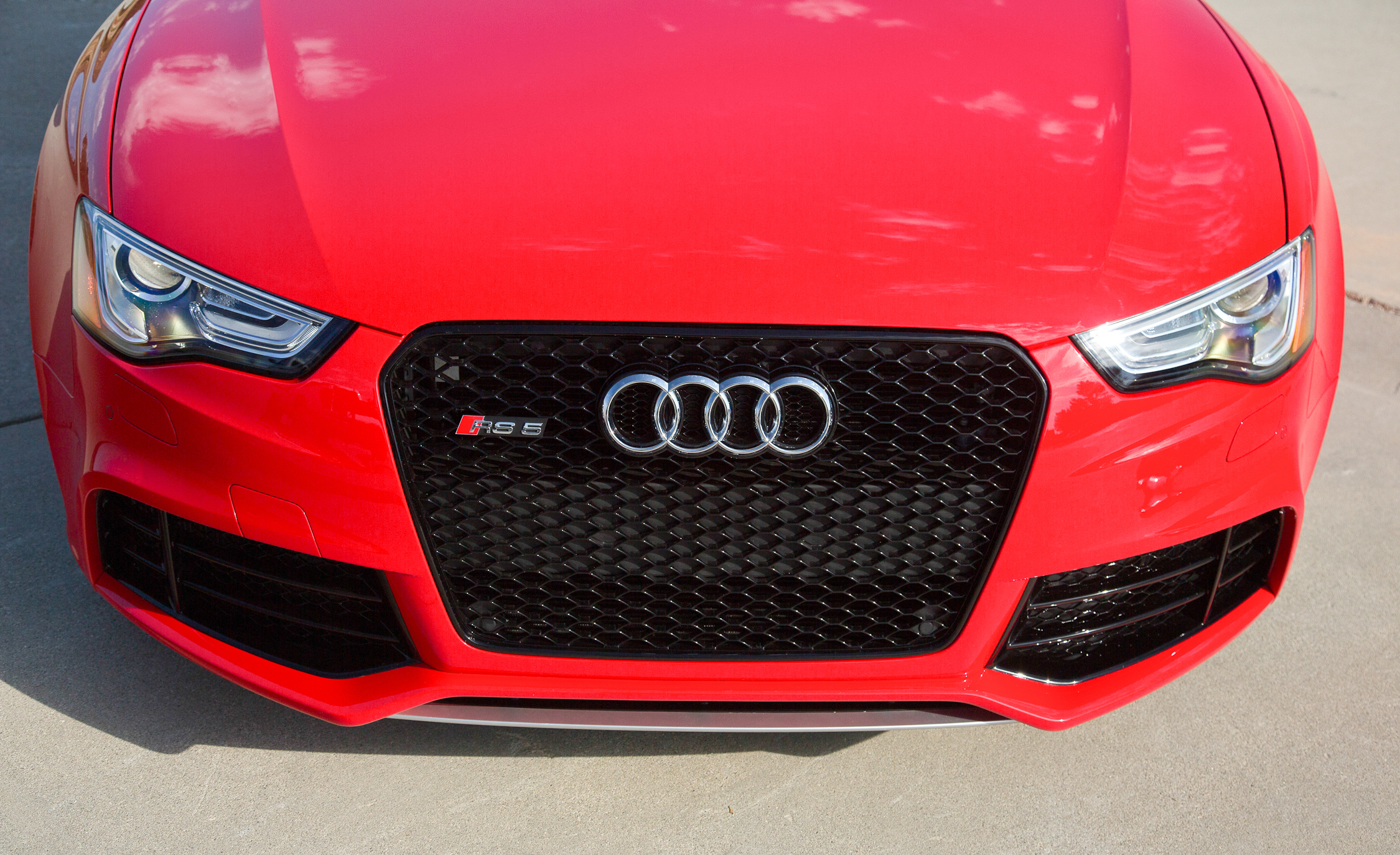2013 Audi RS 5 Exterior View Grille And Front Bumper (Photo 11 of 41)