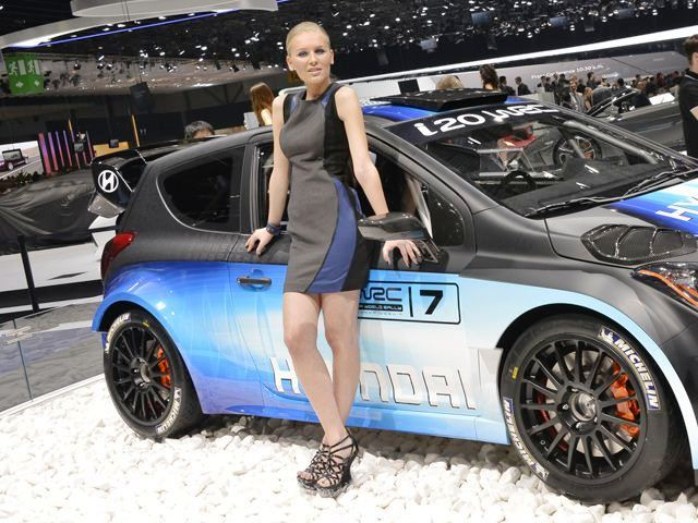 Featured Image of 2013 Geneva Motor Show Girls Photos