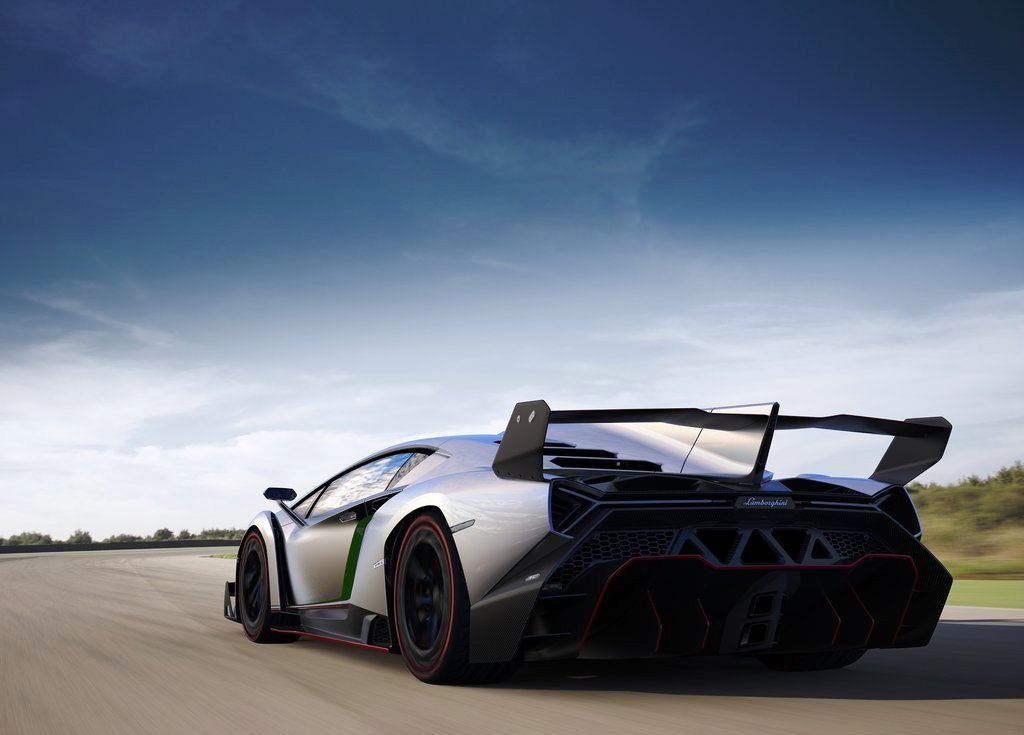 2013 Lamborghini Veneno Rear Angle (Photo 4 of 6)