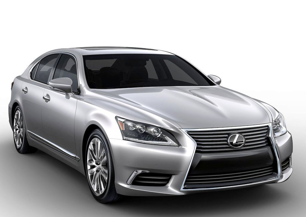 Lexus LS (View 17 of 26)