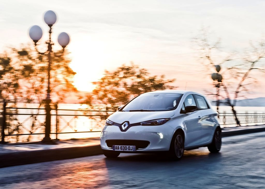 2013 Renault ZOE Specification Price Review Pictures Gallery (10 Images)