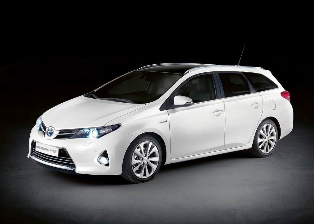 Toyota Auris Touring (View 21 of 26)