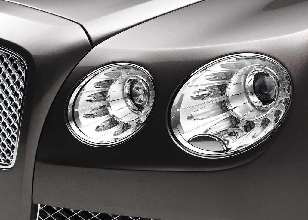 2014 Bentley Flying Spur Head Lamp (Photo 3 of 7)