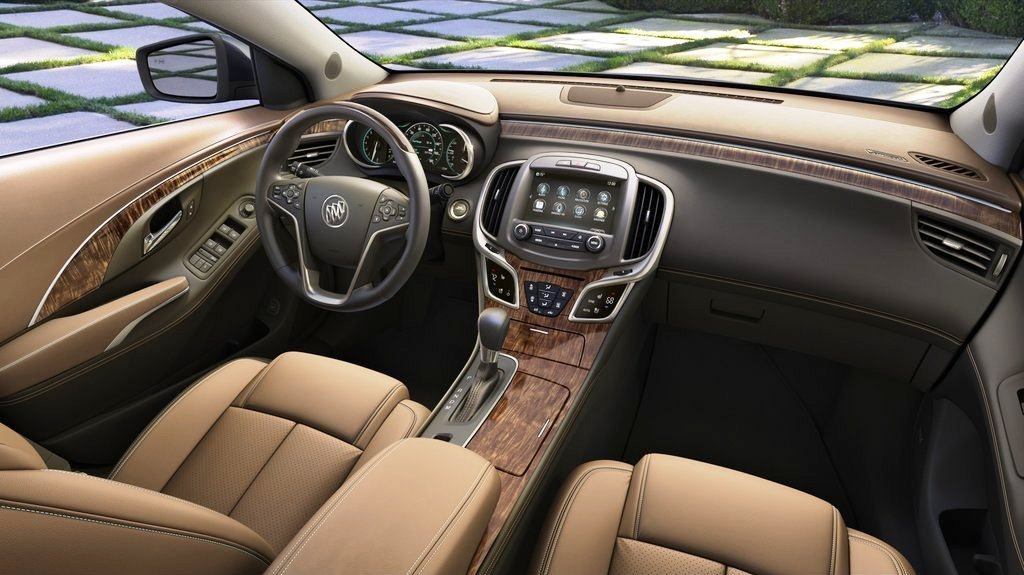 2014 Buick LaCrosse Interior (Photo 4 of 6)