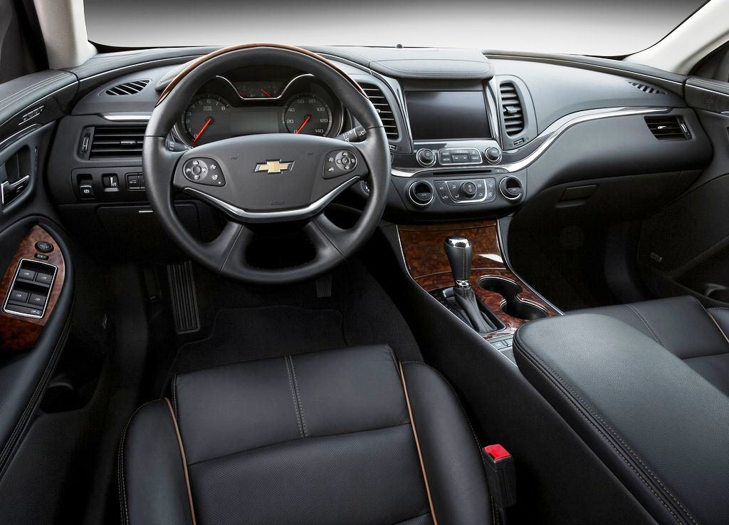 2014 Chevrolet Impala Interior (Photo 3 of 8)