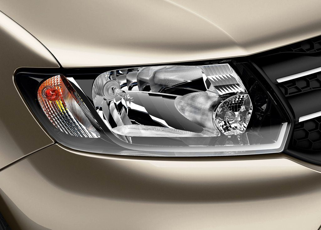 2014 Dacia Logan MCV Head Lamp (Photo 3 of 7)
