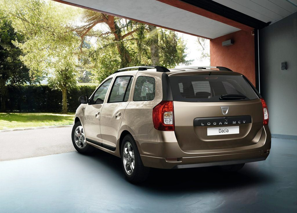 2014 Dacia Logan MCV Rear Angle (Photo 5 of 7)
