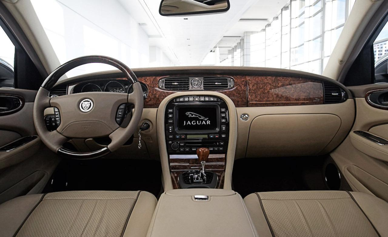 2014 Jaguar XJR Interior Pictures (Photo 1 of 2)