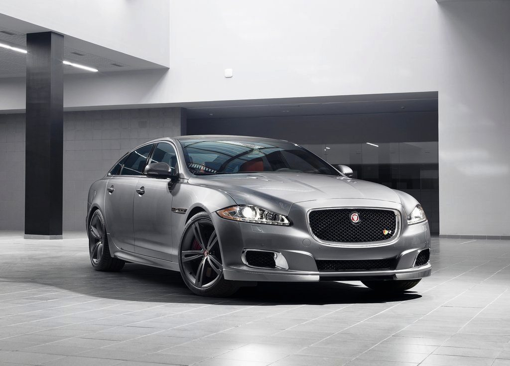 Featured Image of 2014 Jaguar XJR Debuts At 2013 New York Auto Show