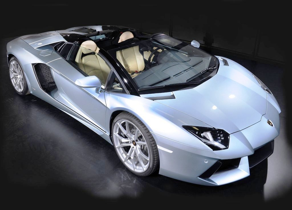 Lamborghini Aventador LP700 4 Roadster (View 23 of 26)