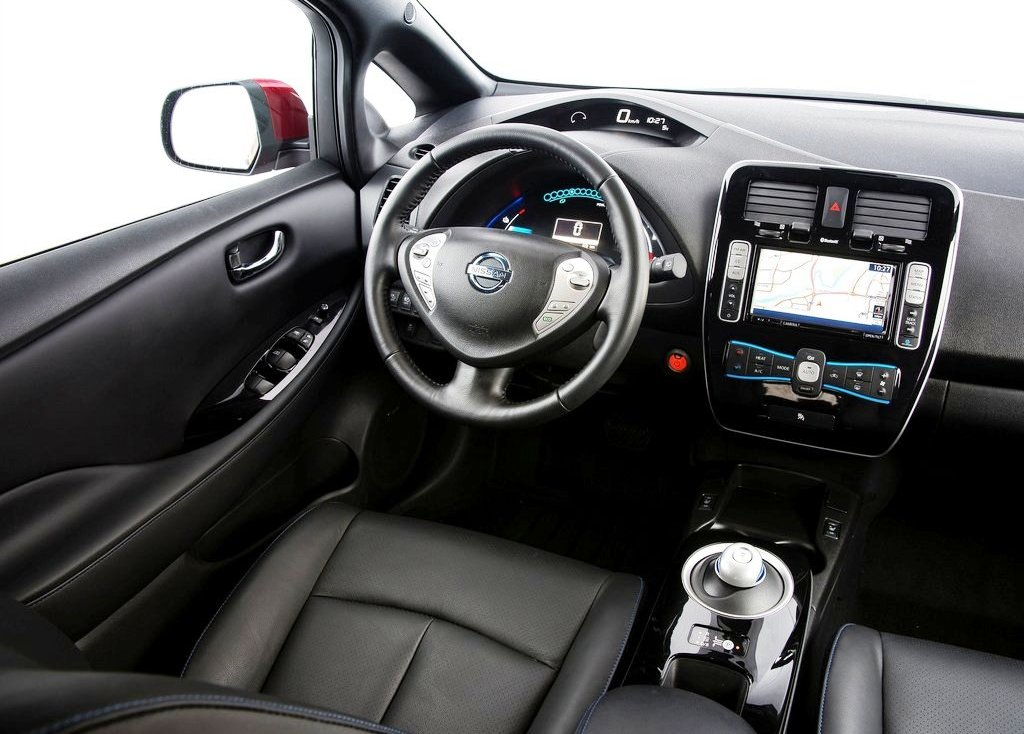 2014 Nissan Leaf Interior (Photo 5 of 10)