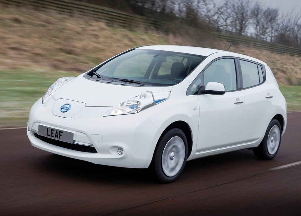 Featured Image of 2014 Nissan Leaf Specification Review