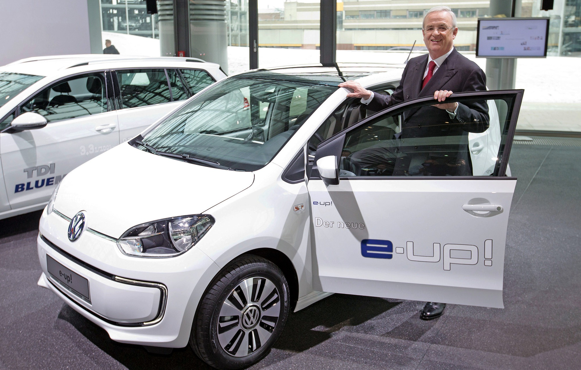 2014 Volkswagen E Up Debuts (View 1 of 6)