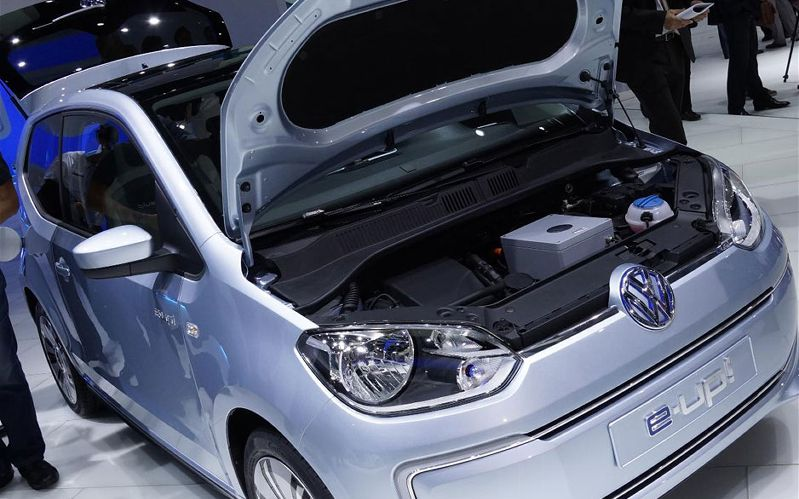 2014 Volkswagen E Up Fully Electric (Photo 3 of 6)