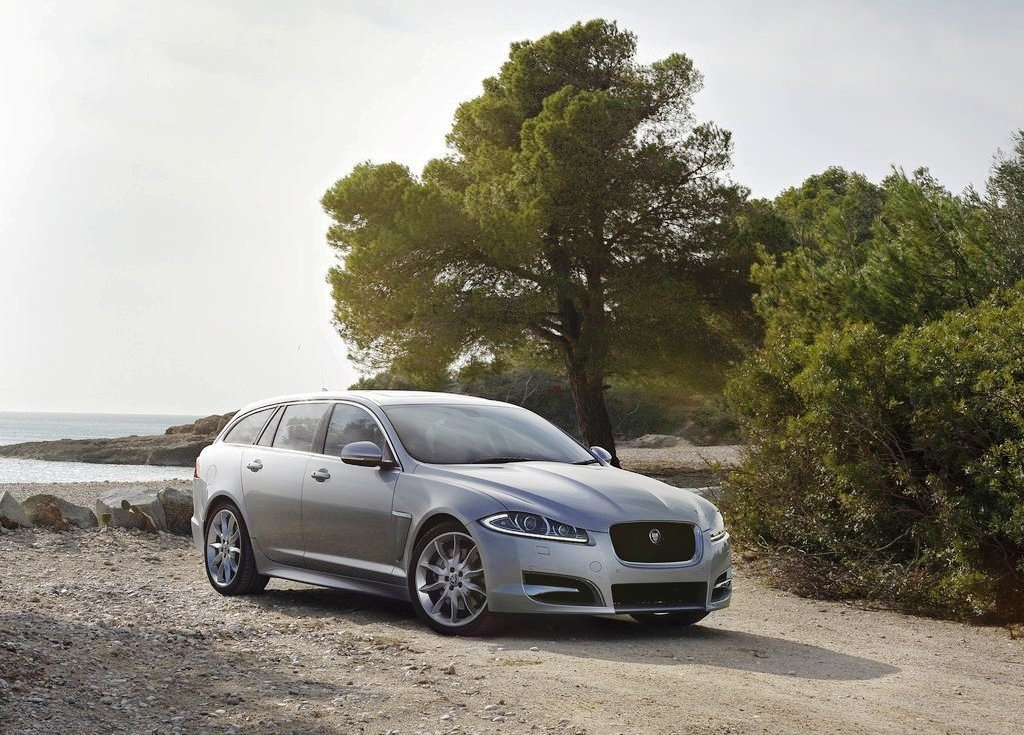 Jaguar XF Sportbrake Wagoon (View 9 of 9)