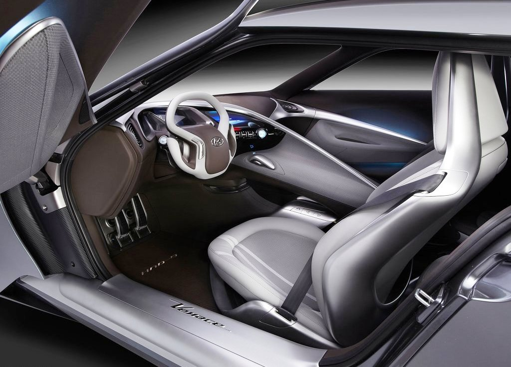 2013 Hyundai HND 9 Concept Interior Design (Photo 3 of 6)