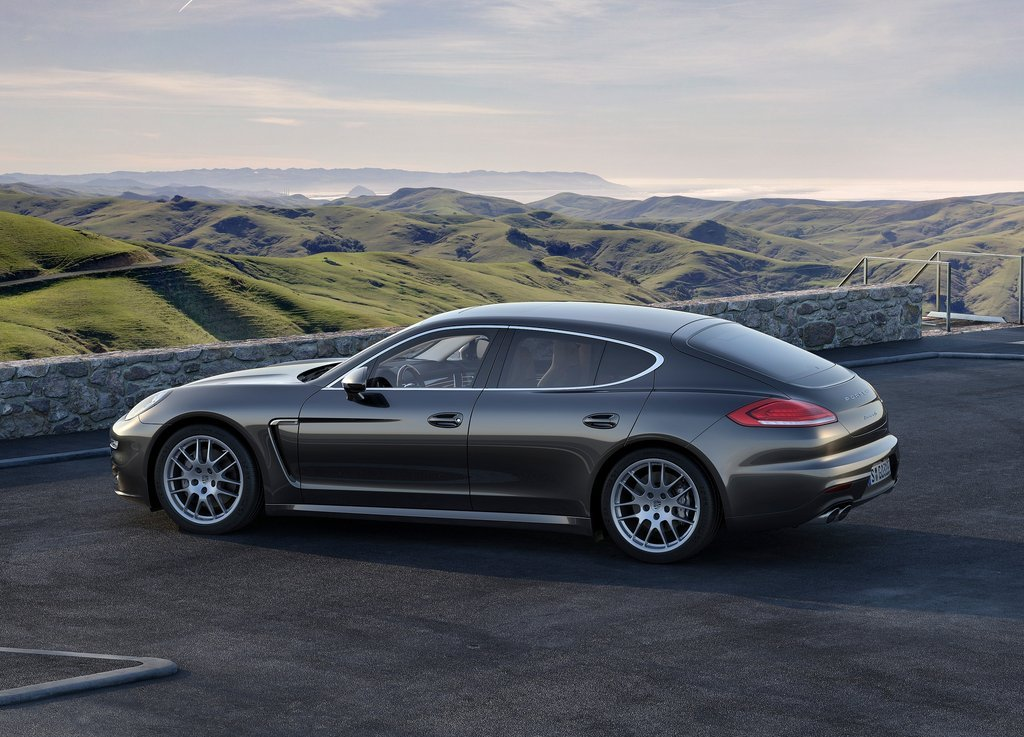 2014 Porsche Panamera Exterior Design (View 1 of 6)
