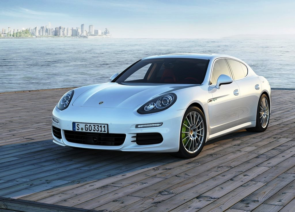 2014 Porsche Panamera Wallpaper (Photo 6 of 6)