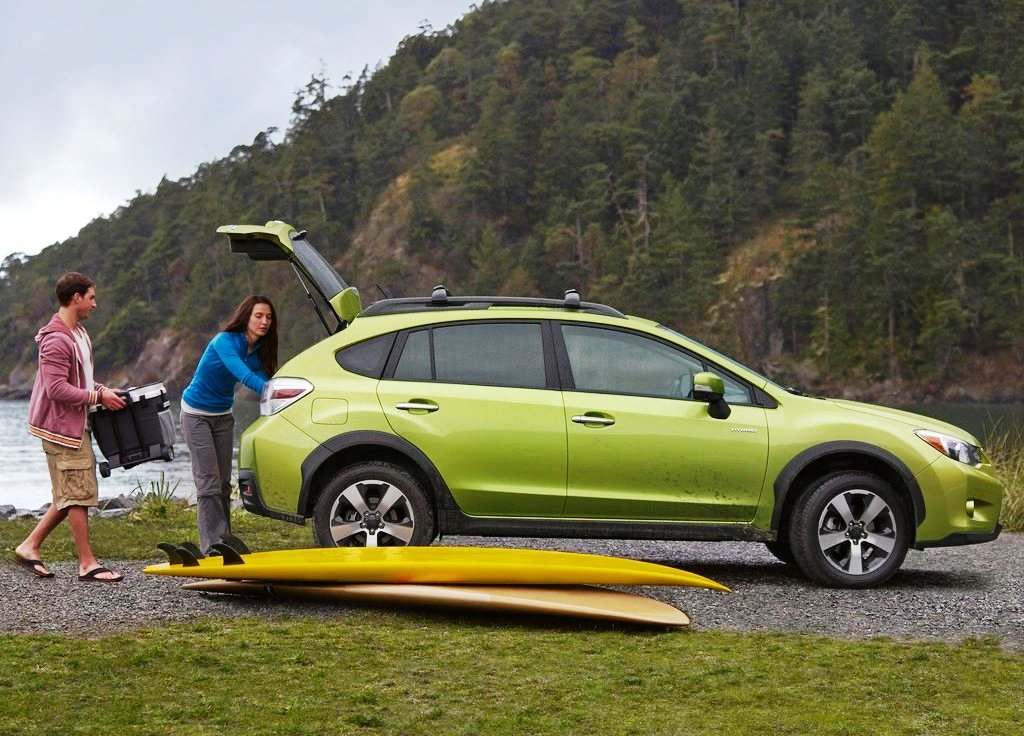 2014 Subaru XV Crosstrek Hybrid Exterior Design (Photo 3 of 7)
