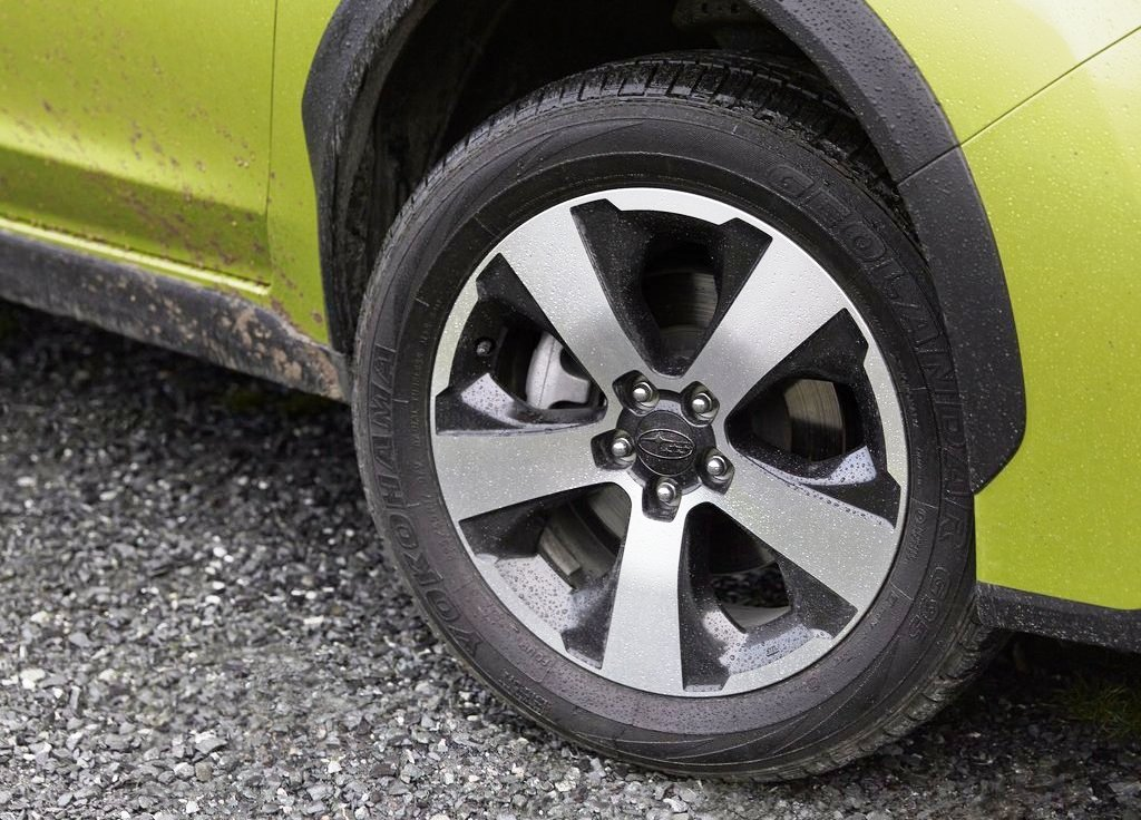 2014 Subaru XV Crosstrek Hybrid Wheels (Photo 7 of 7)