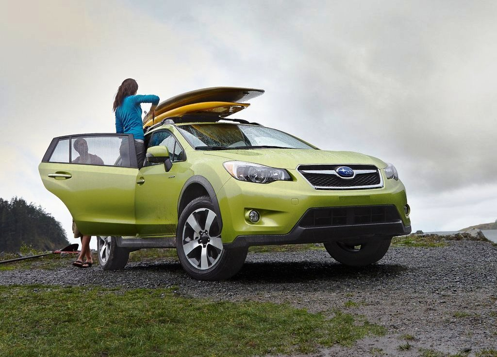 Featured Image of 2014 Subaru XV Crosstrek Hybrid Specs Review