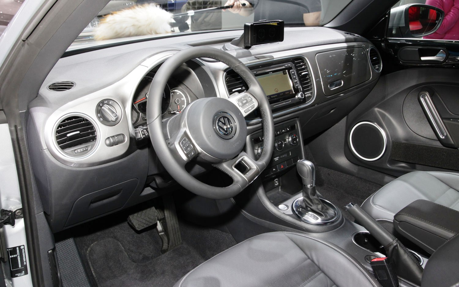 2014 Volkswagen IBeetle Interior (View 2 of 6)