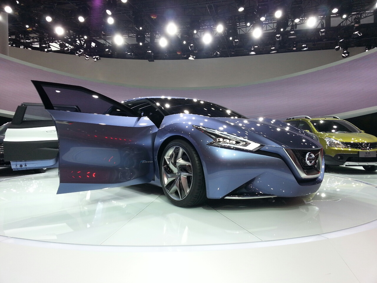 Featured Image of 2013 Nissan Friend ME Concept Unveiled At Shanghai