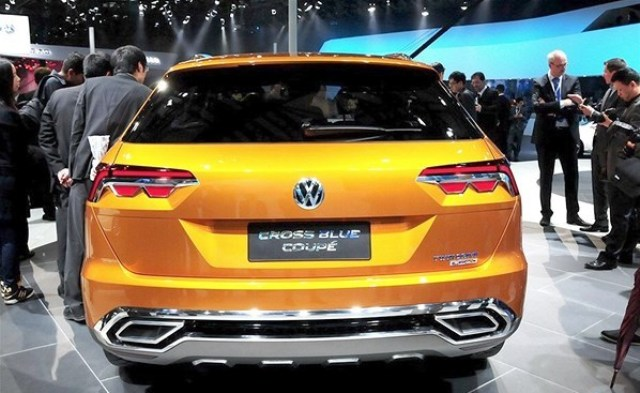 2013 Volkswagen CrossBlue Coupe Rear View (Photo 5 of 8)