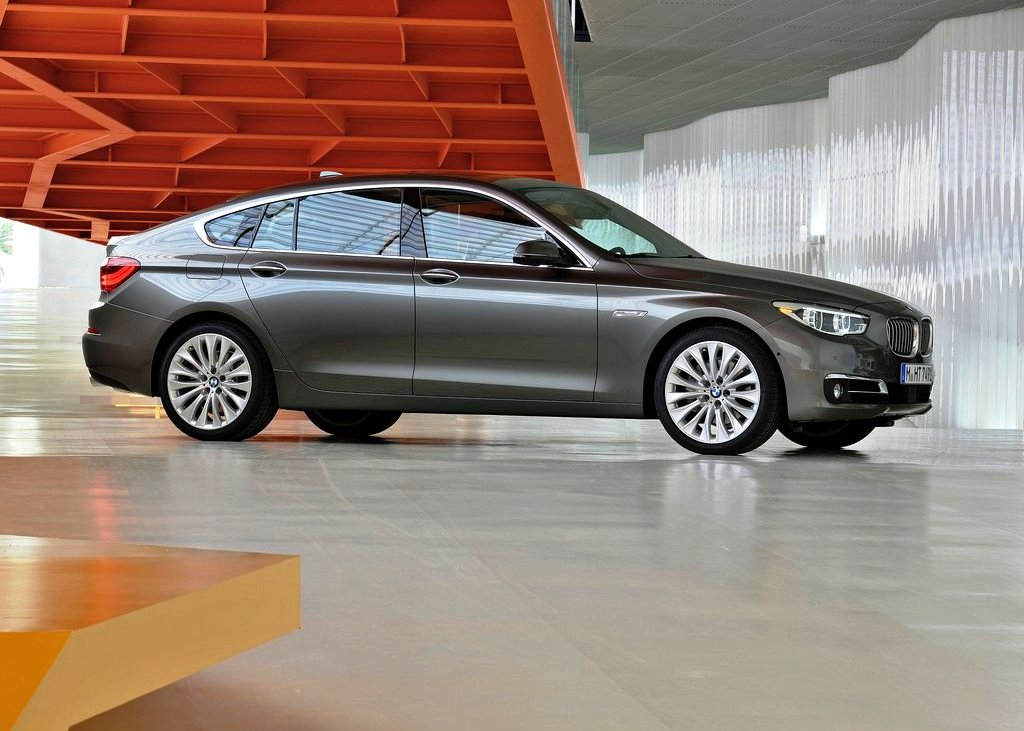 2014 BMW 5 Series Gran Turismo Exterior Design (Photo 3 of 8)