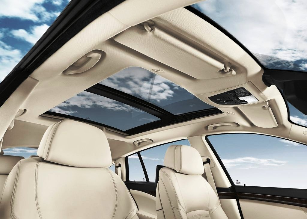 2014 BMW 5 Series Gran Turismo Sunroof (Photo 7 of 8)