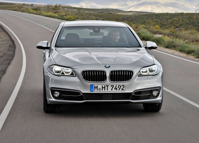 2014 BMW 5 Series Sedan Front View (Photo 4 of 9)