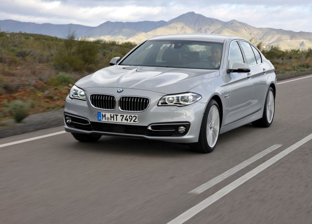 2014 BMW 5 Series Sedan (Photo 2 of 9)