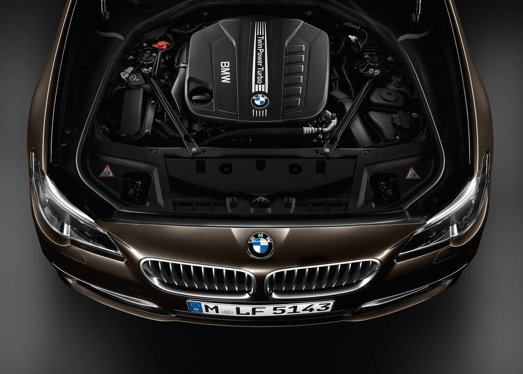 2014 BMW 5 Series Touring Engine (Photo 3 of 9)