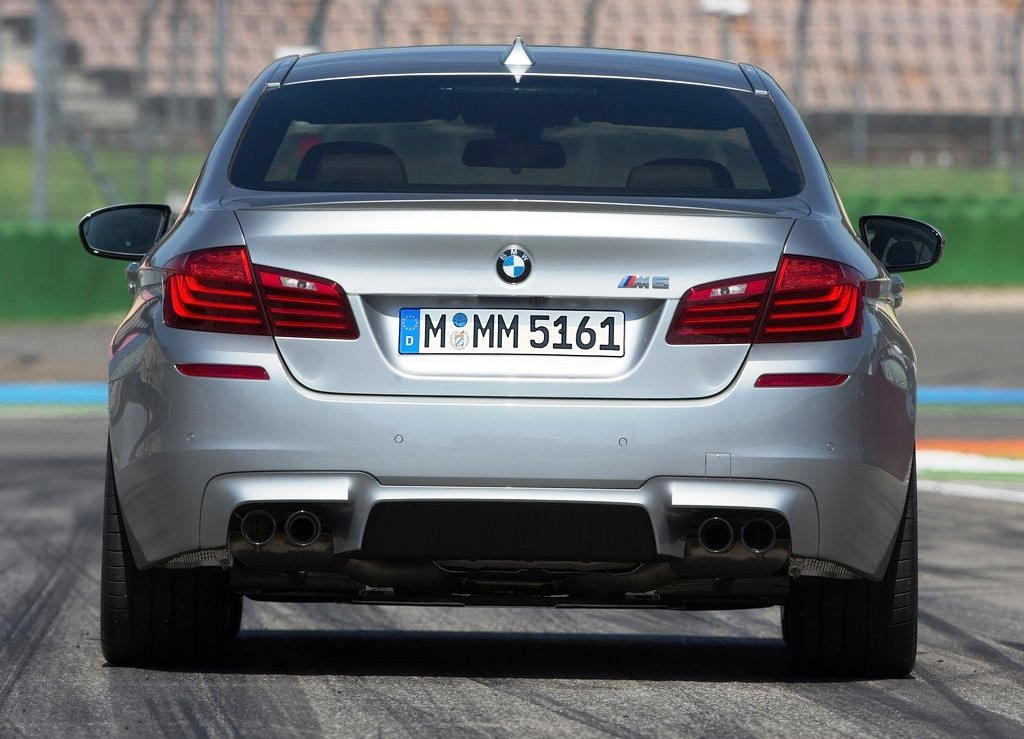 2014 BMW M5 Rear View (Photo 6 of 9)