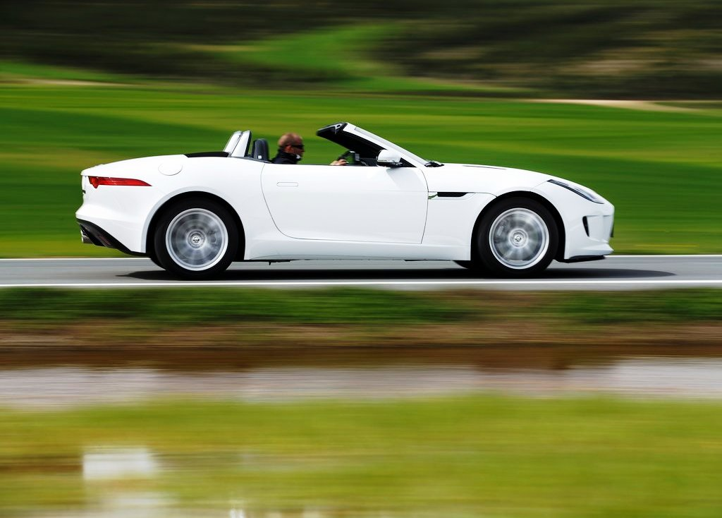 2014 Jaguar F Type V6 Exterior Design (Photo 3 of 10)