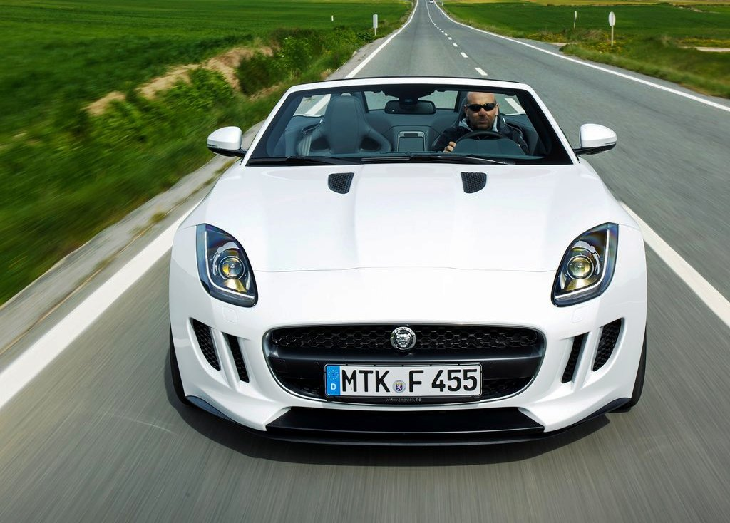 2014 Jaguar F Type V6 Front View (Photo 4 of 10)
