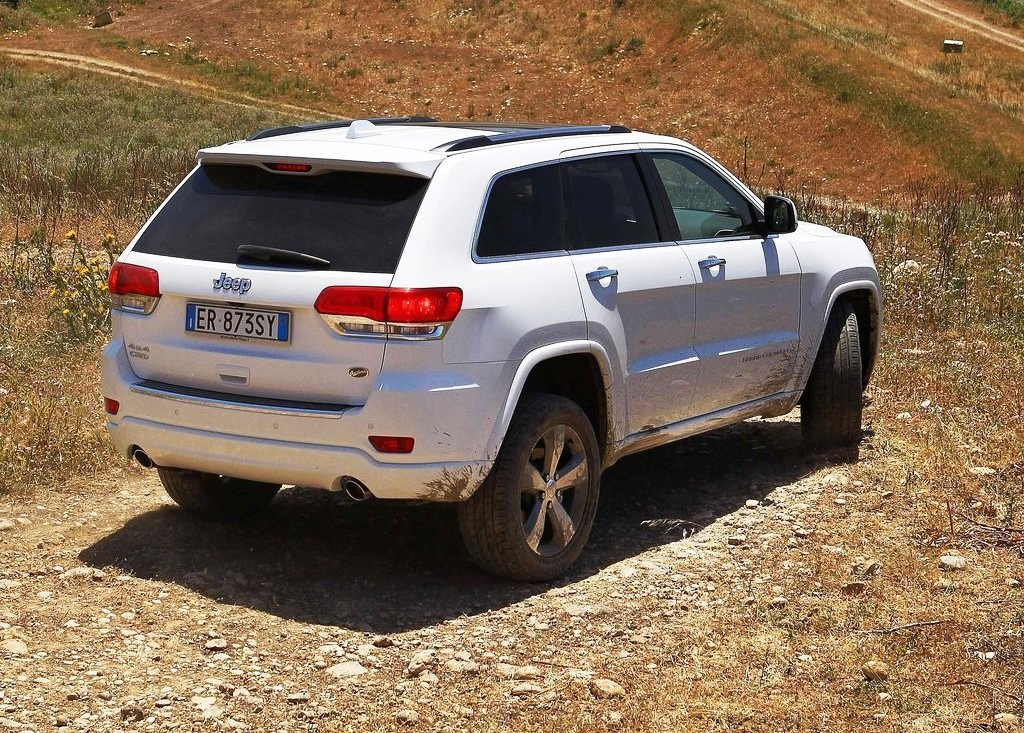 2014 Jeep Grand Cherokee Exterior Design (Photo 4 of 9)