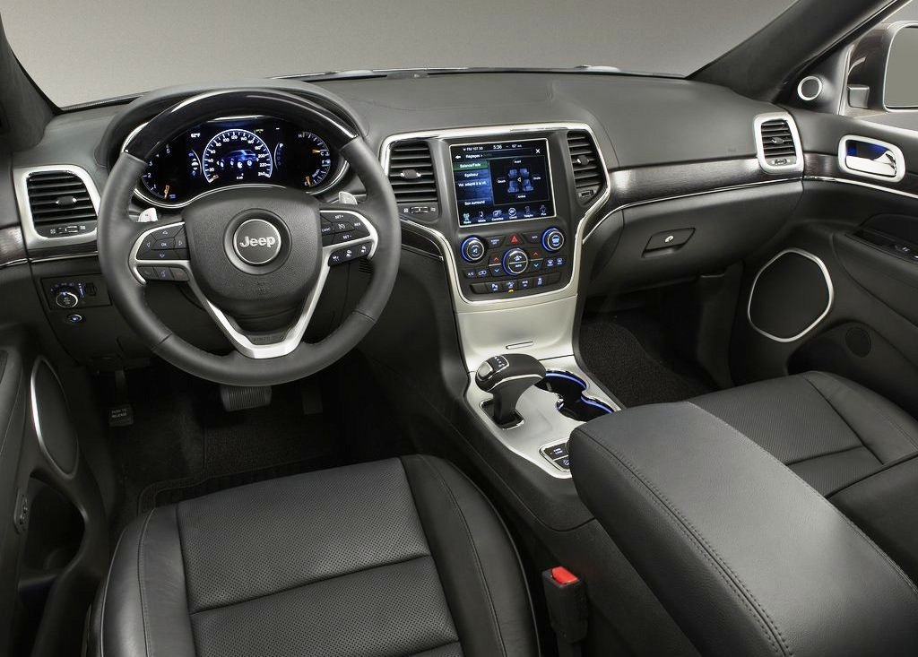 2014 Jeep Grand Cherokee Interior Design (Photo 7 of 9)