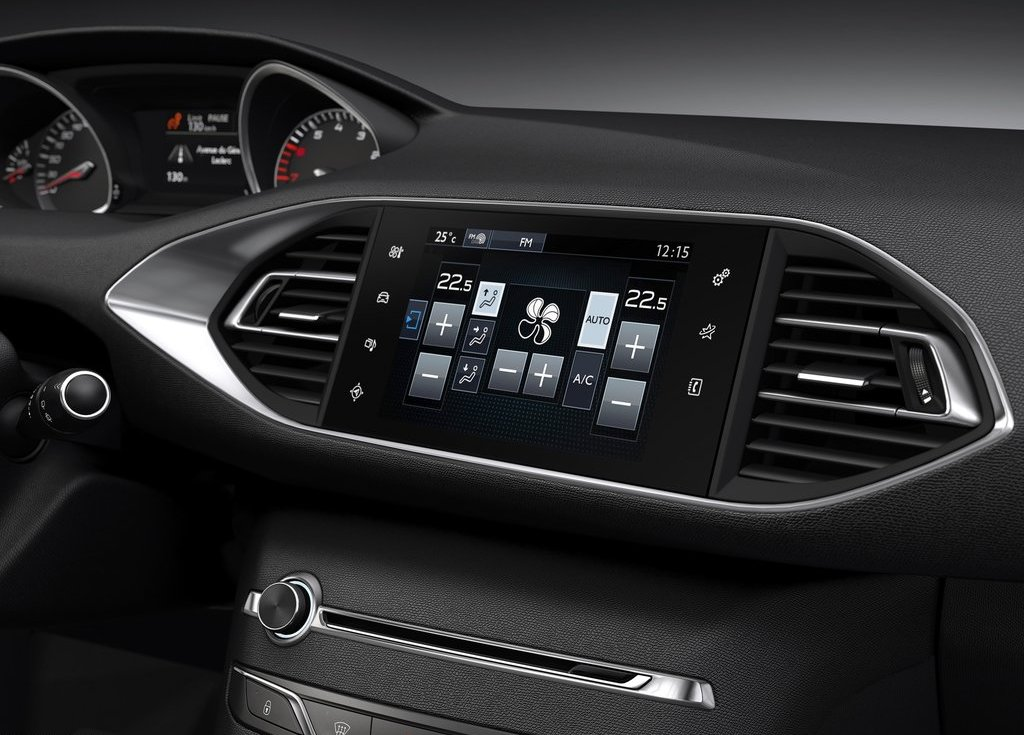 2014 Peugeot 308 Inside View (Photo 3 of 5)