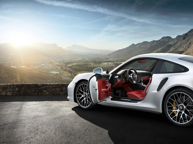 2014 Porsche 911 Turbo S (Photo 4 of 7)