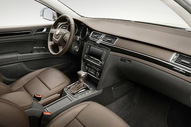 Skoda Superb Combi Laurin & Klement (Photo 8 of 8)