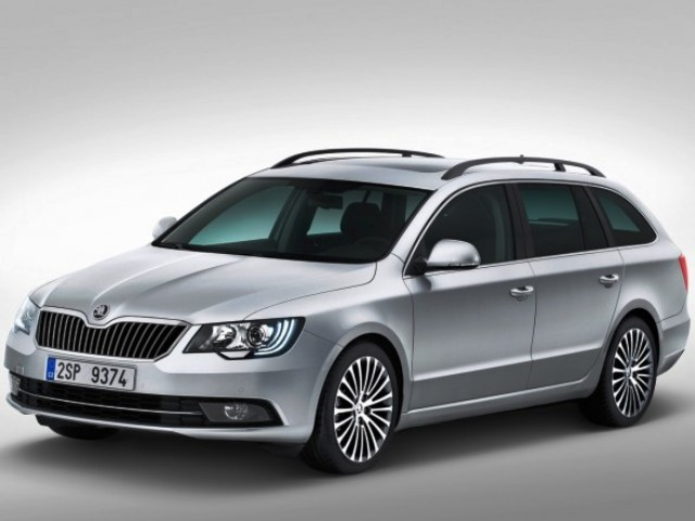2014 Skoda Superb Combi (View 8 of 8)