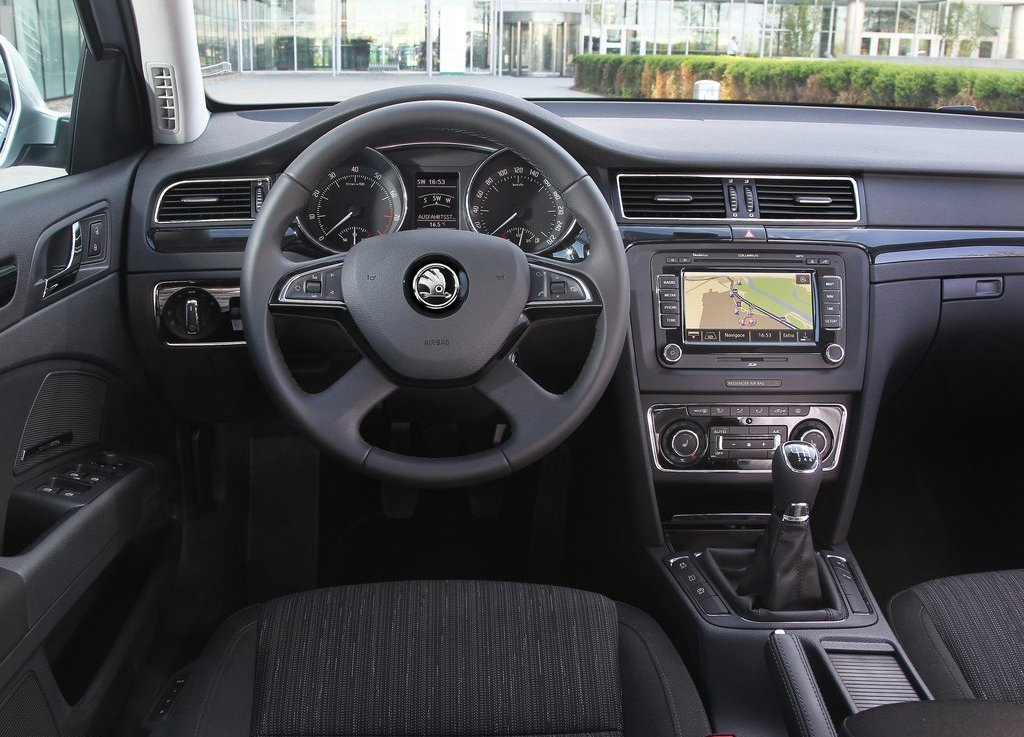 2014 Skoda Superb Interior Design (Photo 4 of 8)