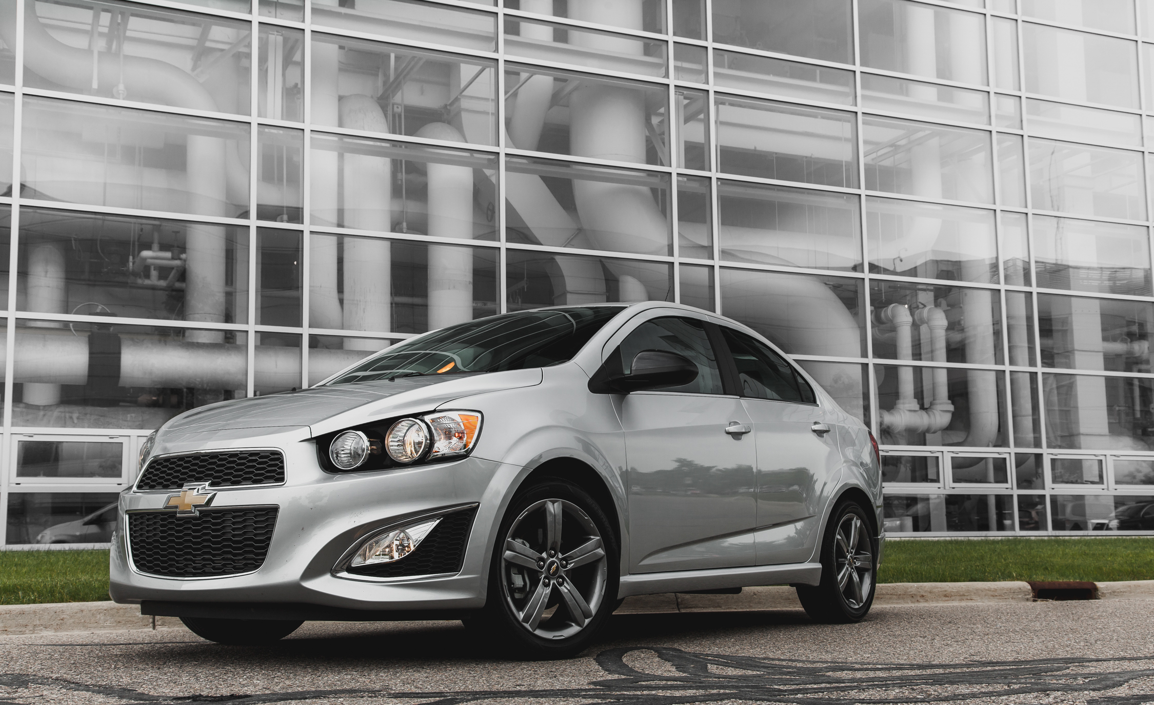 2014 Chevrolet Sonic RS Sedan (Photo 8 of 27)