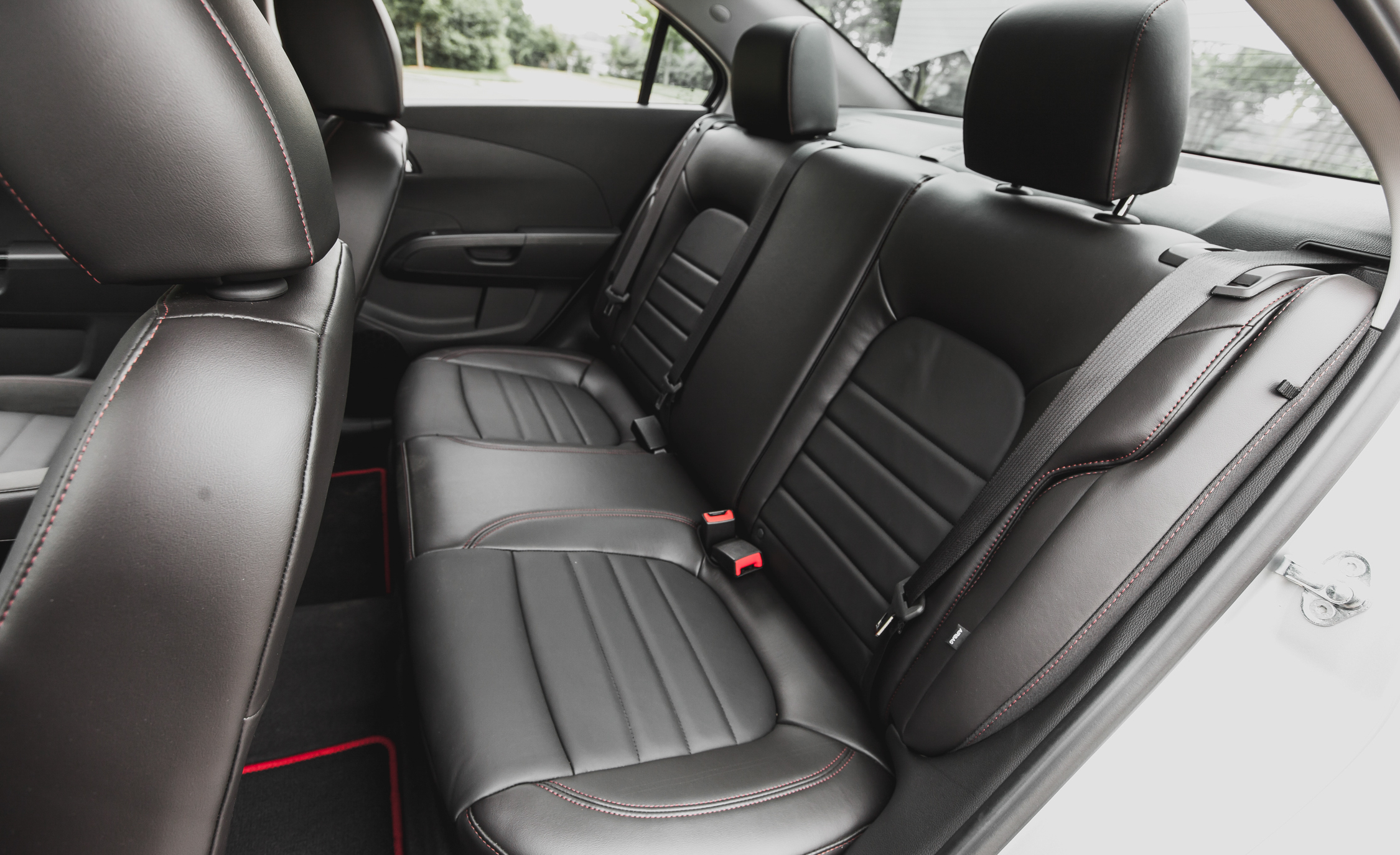 2014 Chevrolet Sonic RS Sedan Interior (Photo 22 of 27)
