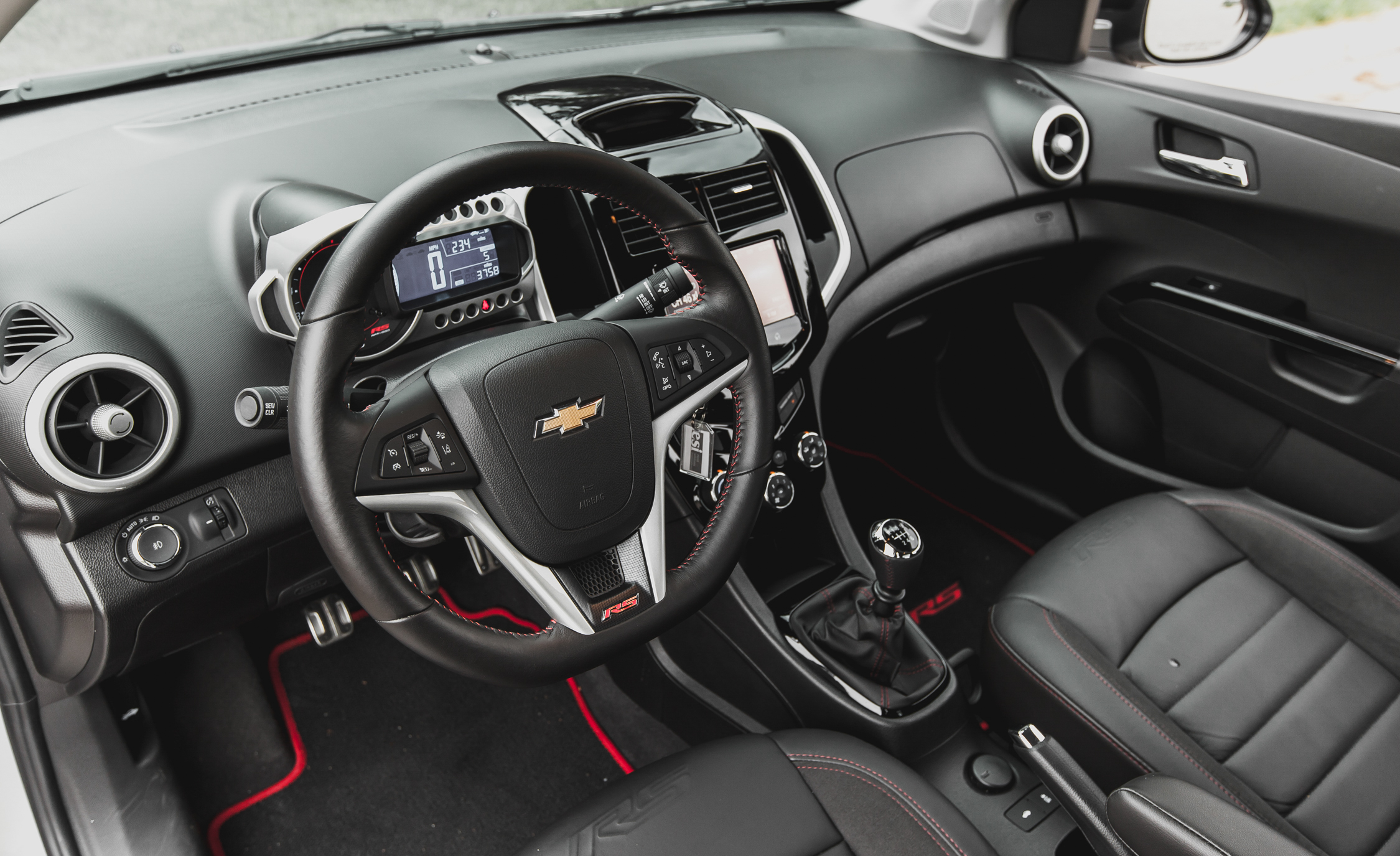 2014 Chevrolet Sonic RS Sedan Interior (Photo 24 of 27)