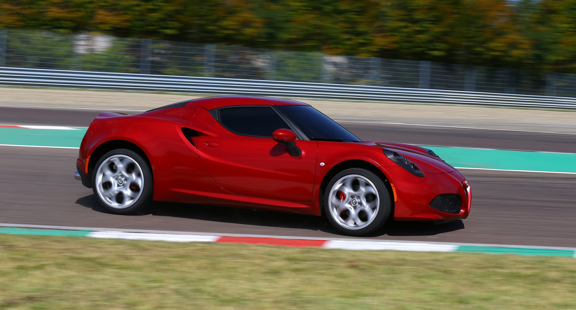 2014 Alfa Romeo 4c Circuit Test (Photo 1 of 25)